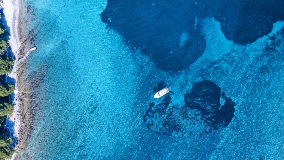 Blue-lagoon-in-Croatia.jpg
