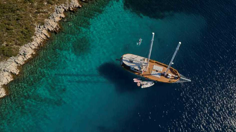 Sailing-holiday-on-yacht-Ardura.jpg