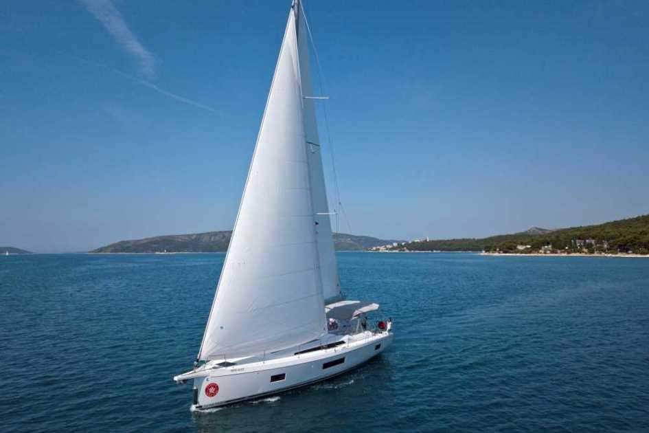 Sailing-yacht-charter-Beneteau-oceanis-51.1-Miss-Alice-in-Trogir-Croatia.jpg