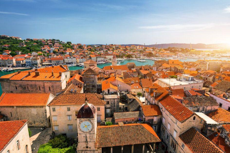 View-at-town-Trogir-old-touristic-place-in-Croatia-Europe.-Trogir-town-coastal-view.jpg
