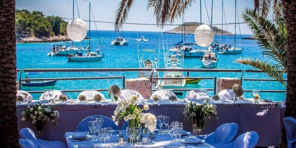 Zori-restaurant-Wedding-on-Hvar1.jpg