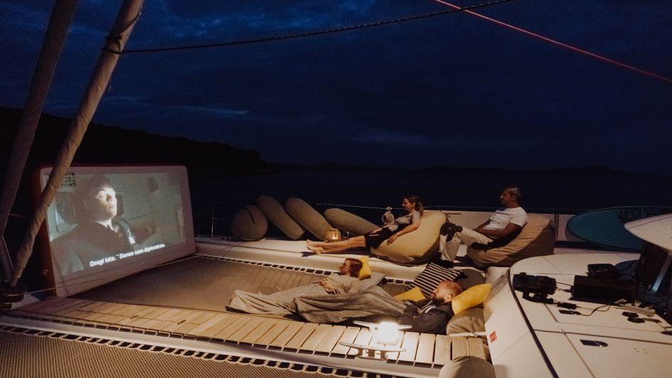 lagoon-570-mala-bow-open-air-cinema.jpg