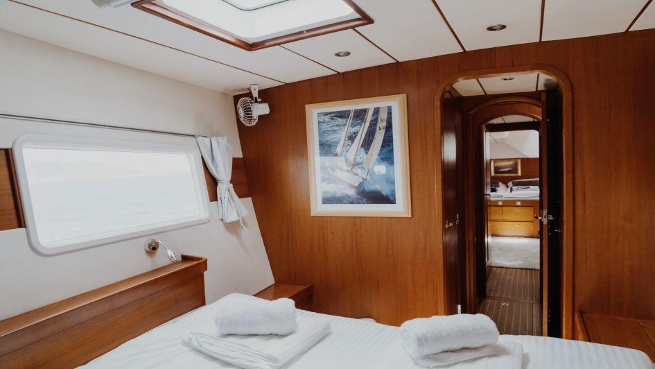 lagoon-570-mala-cabin.jpg