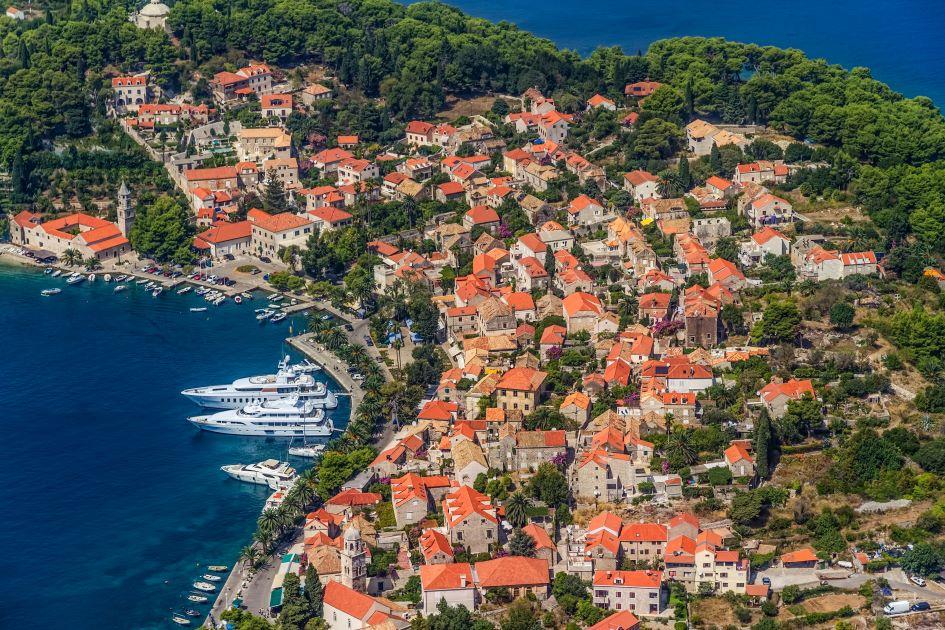 luxury-yacht-charter-guide-croatia.jpg