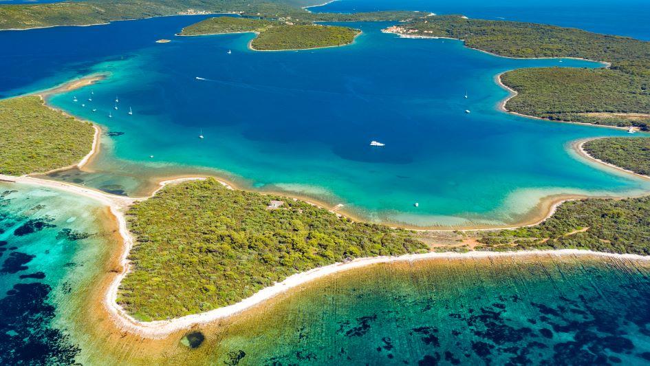 pantera-bay-anchorage-dugi-otok-sailing-highlights.jpg