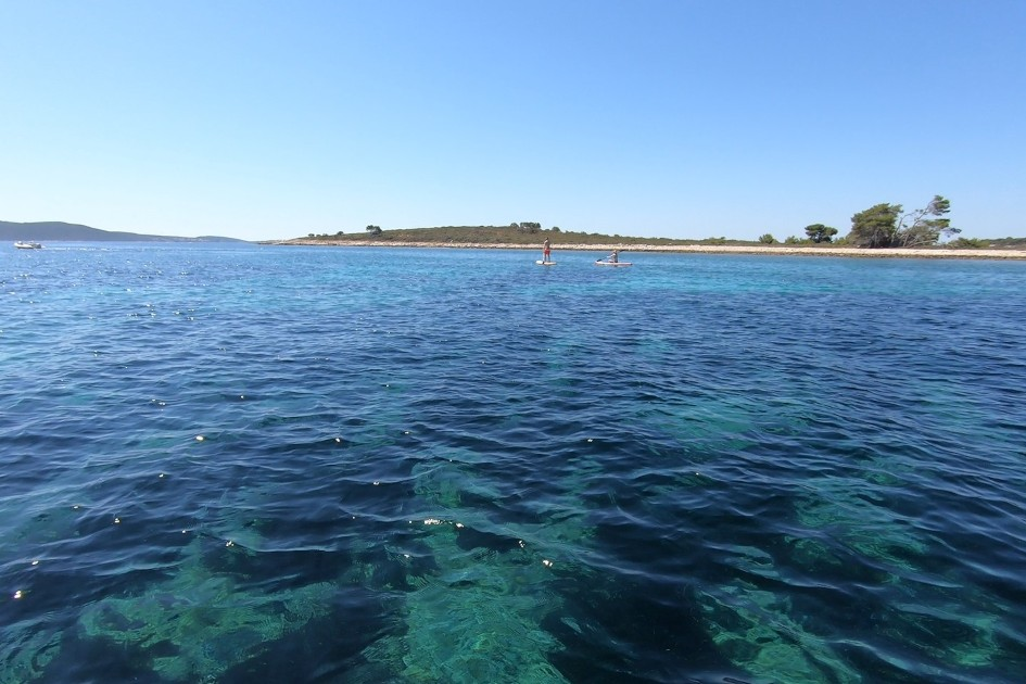 private-boat-tour-to-blue-lagoon-and-island-of-solta-2.jpg
