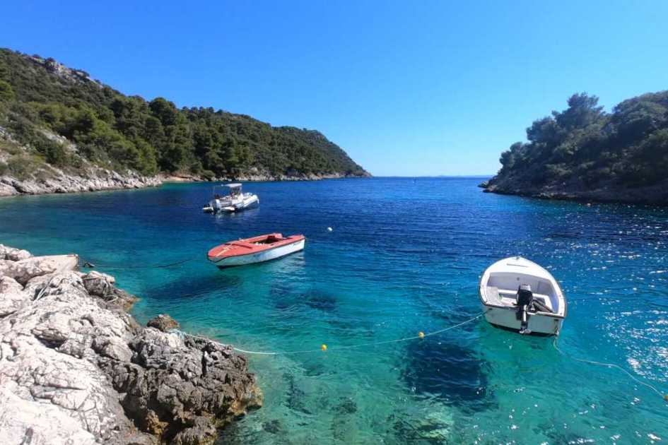 private-boat-tour-to-blue-lagoon-and-island-of-solta-3.jpg