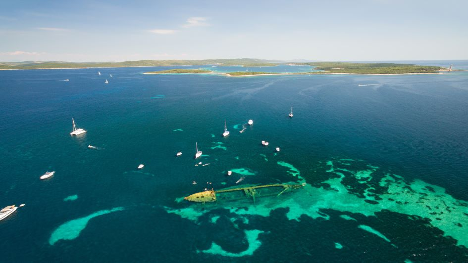 shipwreck-dugi-otok-sailing-in-croatia.jpg