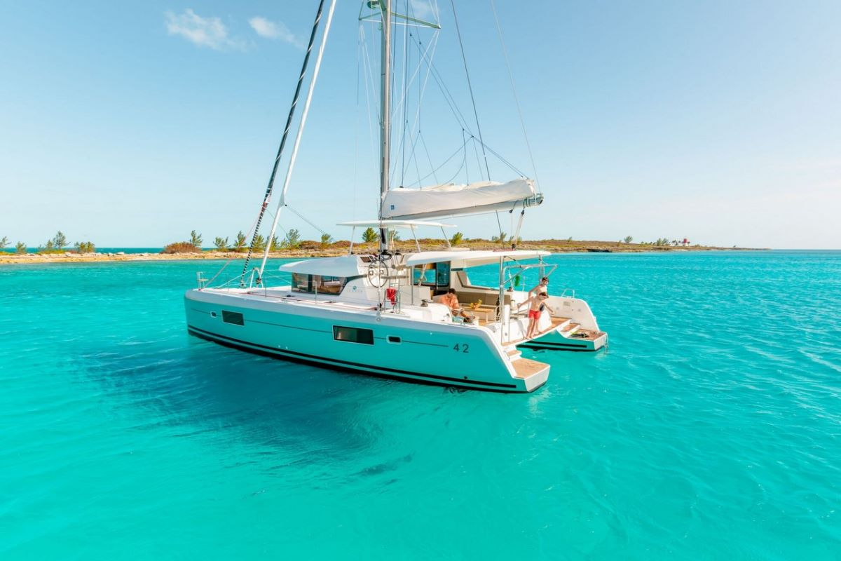 TOP 5 mid size catamarans for charter in Croatia