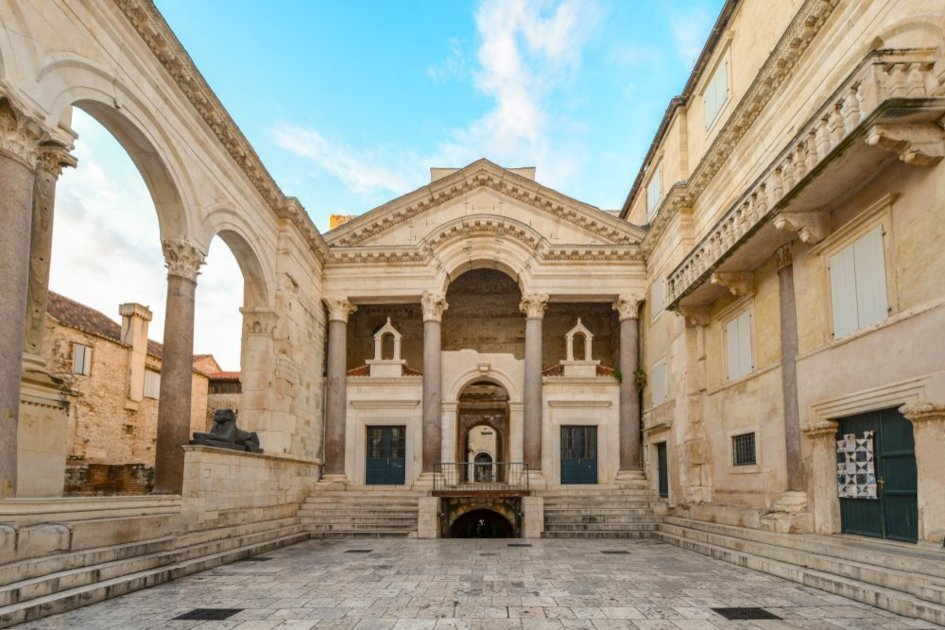 Ancient-Diocletians-palace-in-Split.jpg