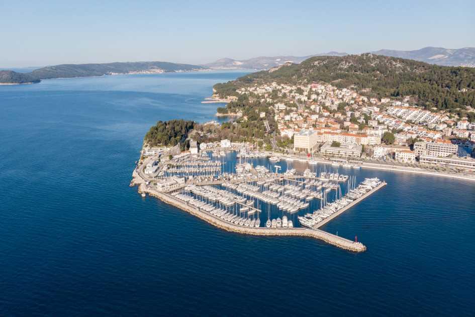 aci-marina-split-yachts-charter-croatia.jpg
