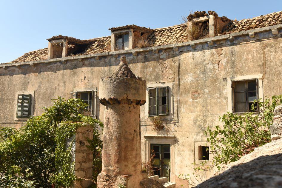 chimneys-fumari-on-lastovo-island-croatia.jpg