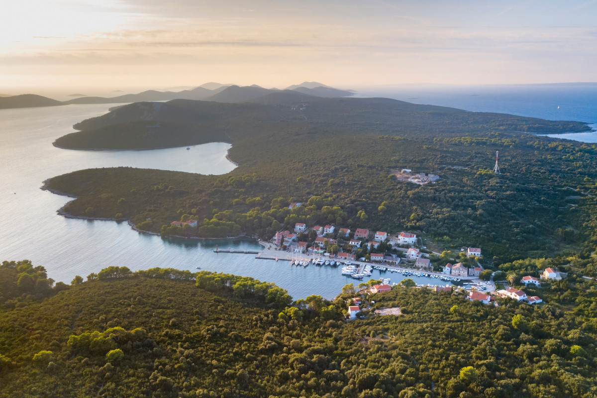 Island Molat