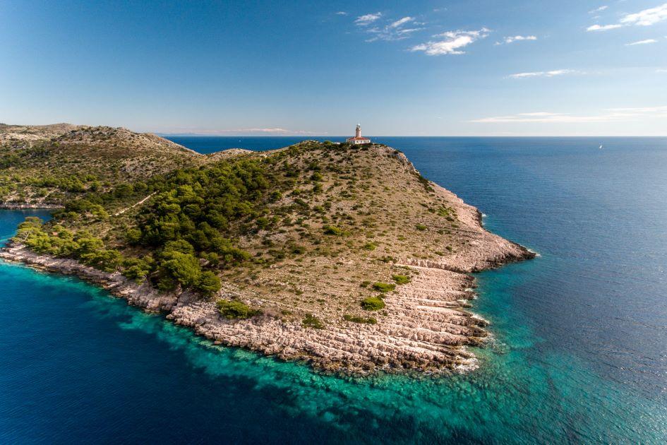 lighthouse-struga-lastovo-croatia.jpg