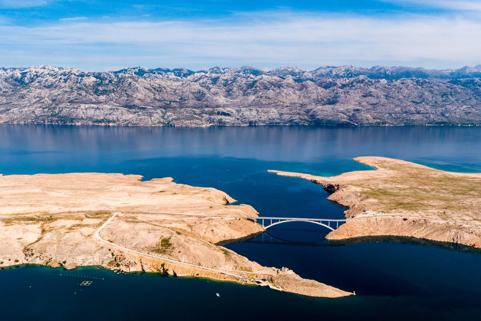 middle-adriatic-island-pag-bridge-secret-adriatic.jpg