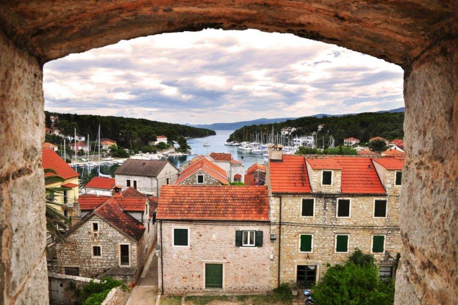 middle-adriatic-region-hvar-secret-adriatic-vrboska.jpg