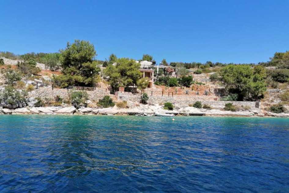 middle-adriatic-region-solta-secret-adriatic-sesula-bay.jpg