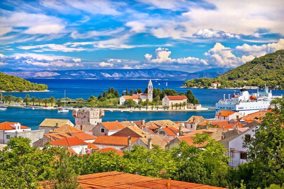 middle-adriatic-region-vis-secret-adriatic-town.jpg