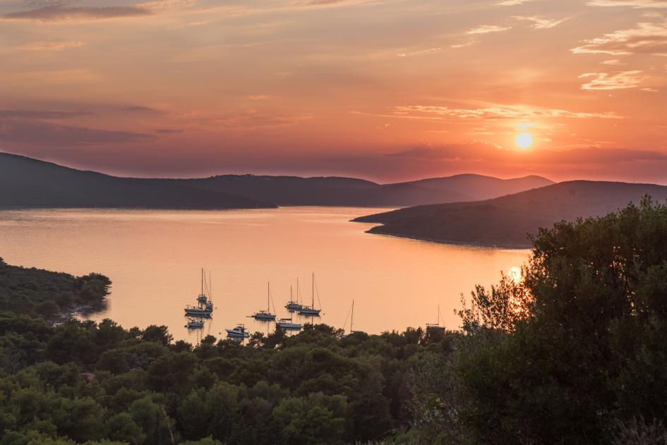 muline-anchorage-ugljan-island-sailing-north-dalmatia-croatia.jpg