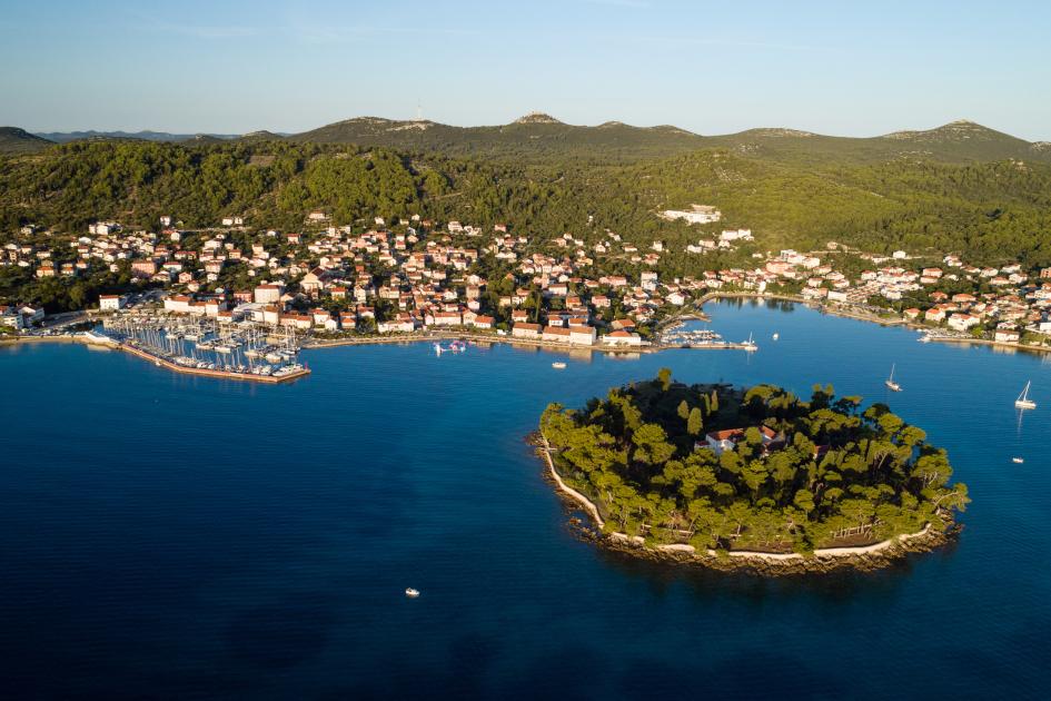 preko-on-the-island-of-ugljan-sailing-from-zadar-croatia.jpg