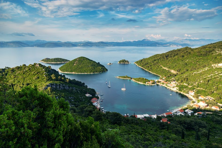 prozurska-luka-mljet-island-south-adriatic-croatia.jpg