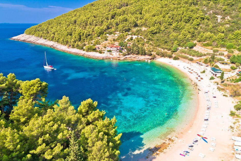 pupnatska-luka-anchorage-korcula-island-sailing-in-croatia.jpg