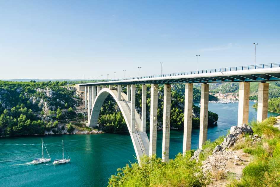 skradin-krka-river-highway-bridge-sailing-yachts.jpg