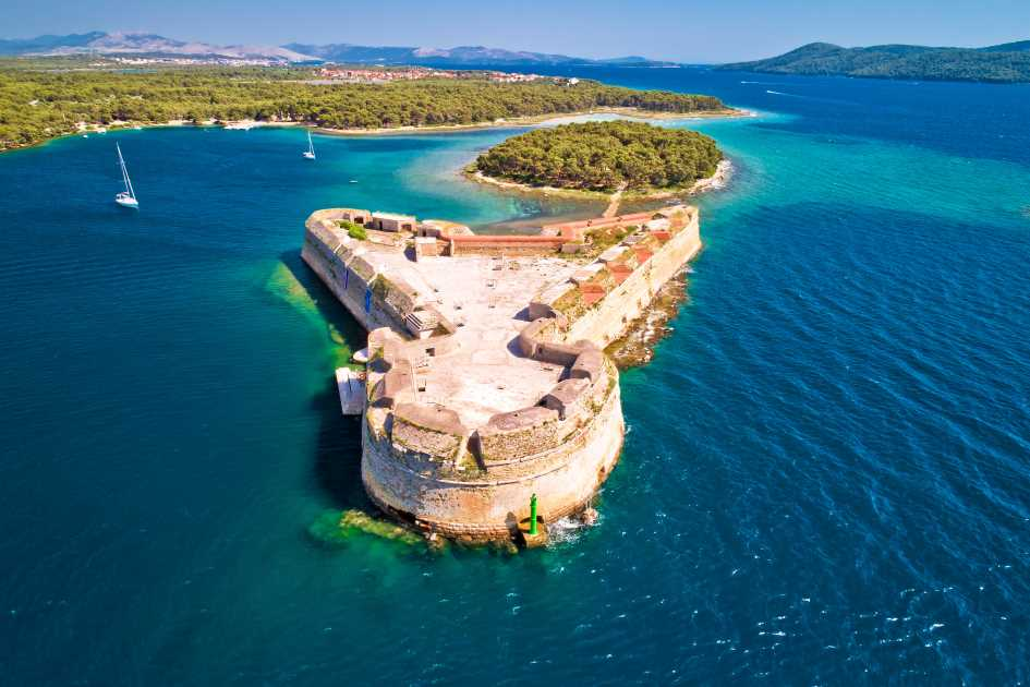 st-nikola-fortress-sibenik-archipelago-sailing-yachts-charter-dalmatia.jpg