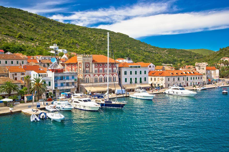 vis-town-sailing-in-dalmatia-croatia.jpg