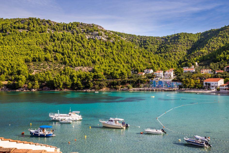 zuljana-bay-peljesac-south-adriatic-croatia.jpg