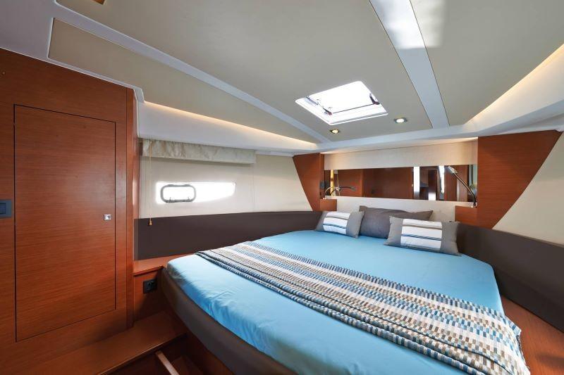 Jeanneau Leader 40 double cabin