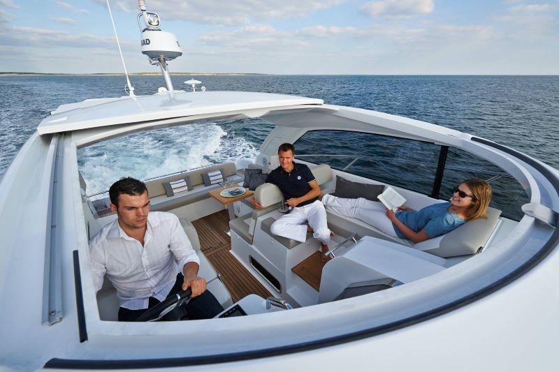 Jeanneau leader 40 private boat trips from Split