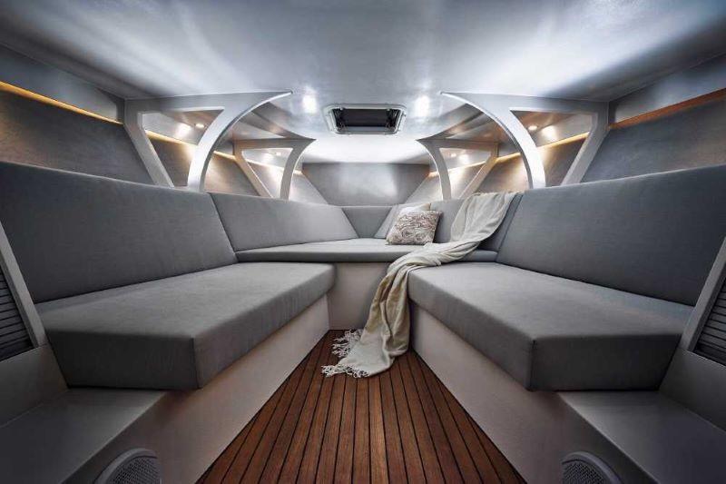 Frauscher 1017 GT cabin