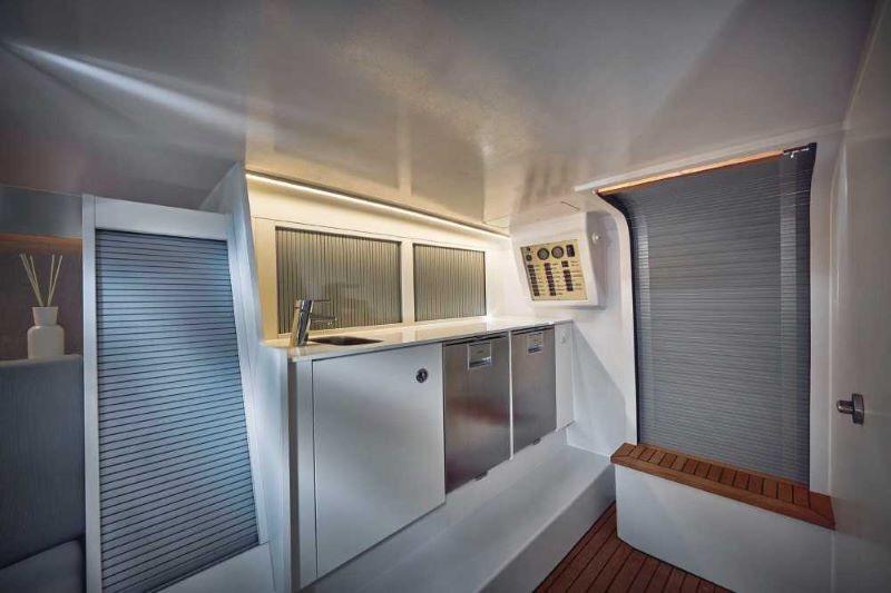 Frauscher 1017 GT interior