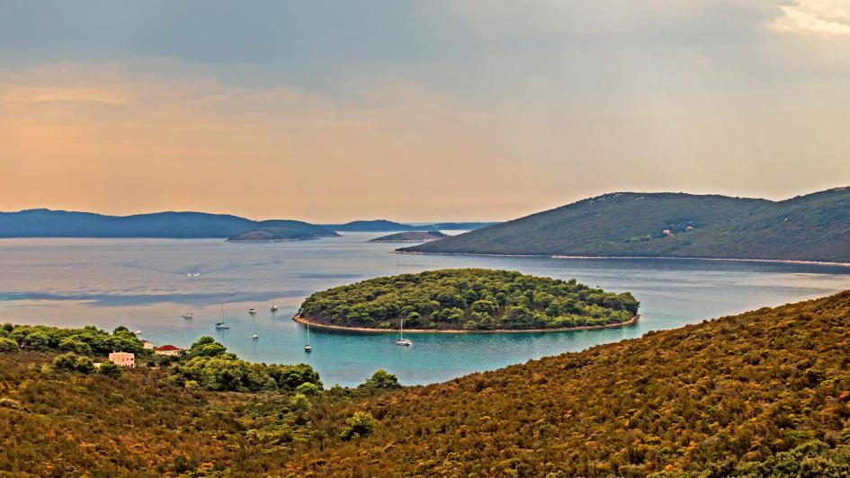 14-days-sailing-itinerary-pula-jazi-bay-molat-secret-adriatic.jpg