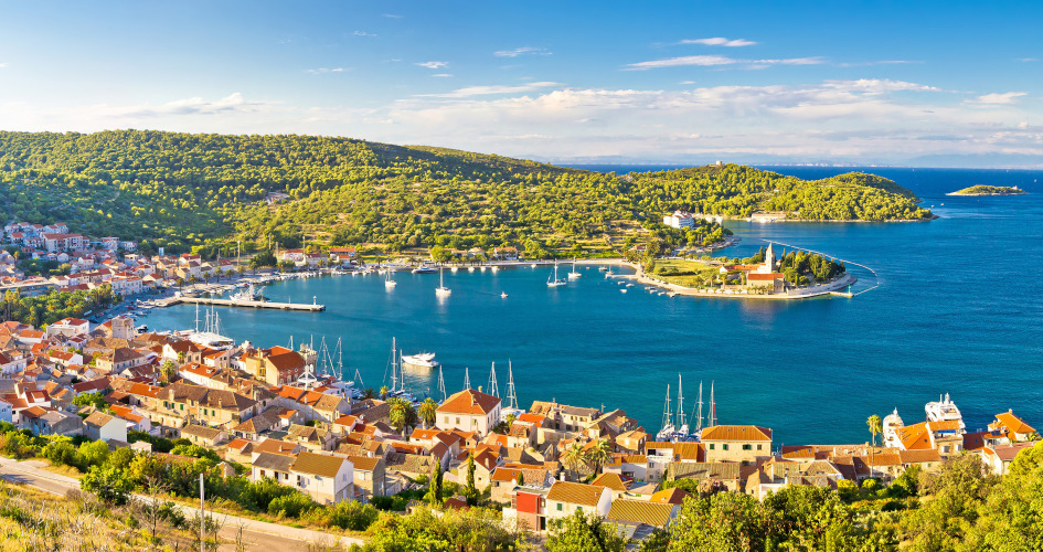 14-days-sailing-route-split-dubrovnik-split-secret-adriatic-vis-port.jpg