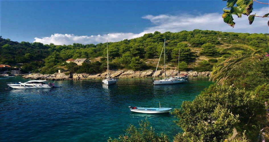one-way-sailing-dubrovnik-trogir-tatinja-bay-solta-island.jpeg