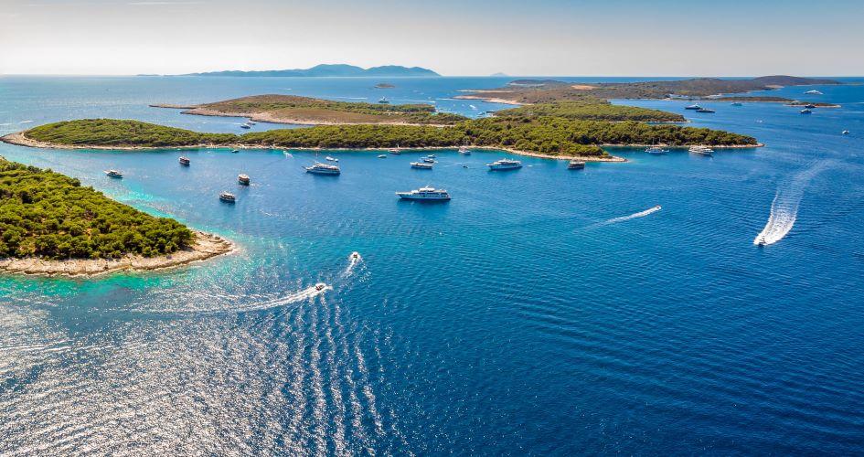 one-way-sailing-itinerary-dubrovnik-trogir-split-pakleni-islands.jpg