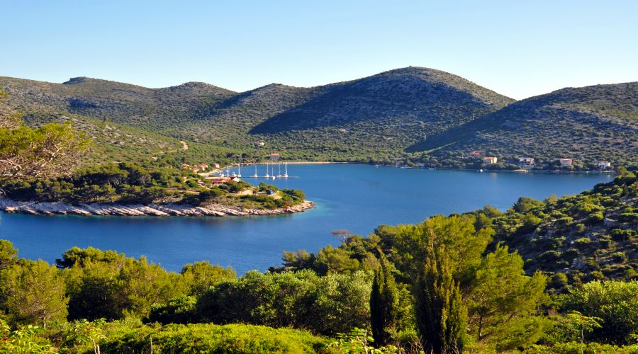 sailing-itinerary-south-adriatic-lastovo-skrivena-luka.jpg