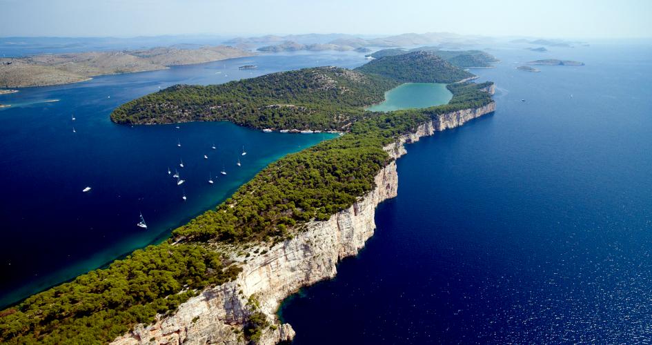 sailing-route-national-parks-in-croatia-secret-adriatic-telascica.jpg