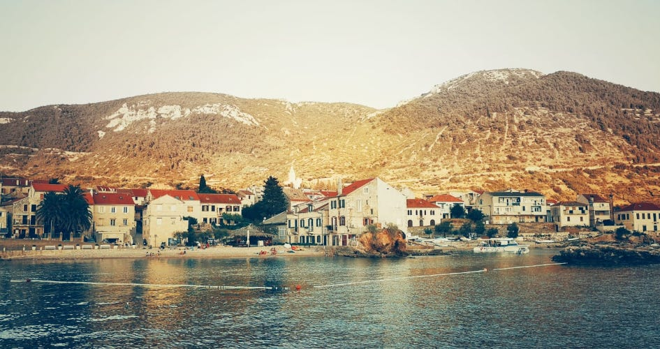 sailing-with-children-itinerary-recommended-routes-in-croatia-secret-adriatic-komiza.jpg