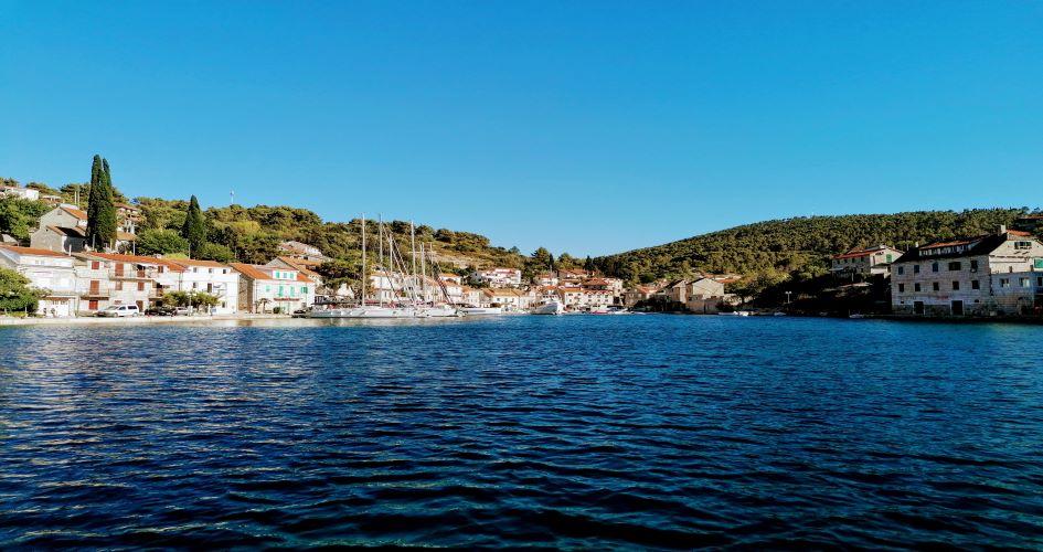 stomorska-village-solta-sailing-routes-middle-dalmatia-croatia.jpg