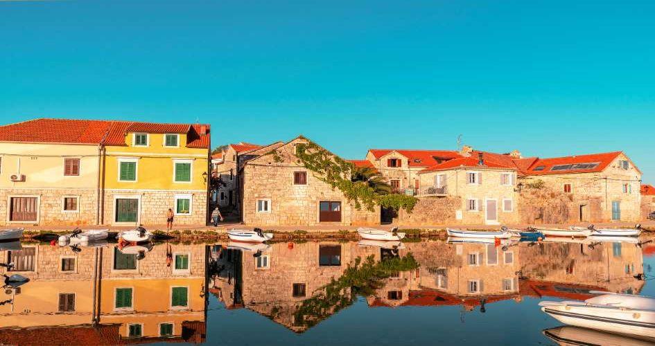 vrboska-hvar-sailing-routes-from-split-dalmatia-croatia.jpg