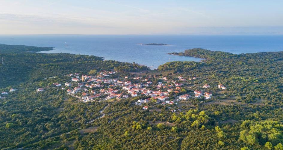 zadar-sailing-route-north-adriatic-molat.jpg