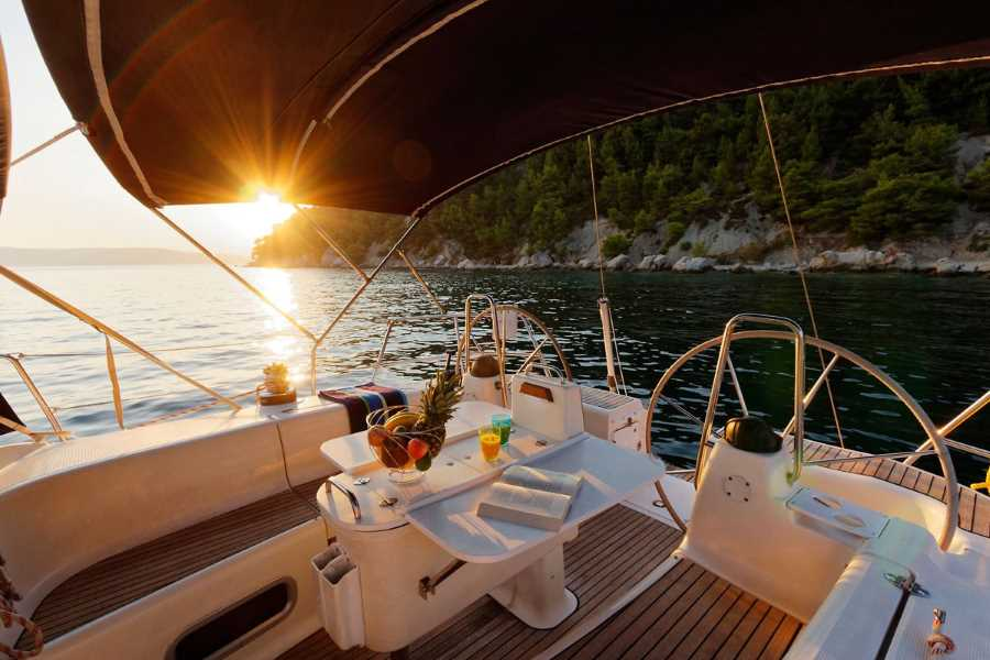 Day Sailing from Split & Hvar