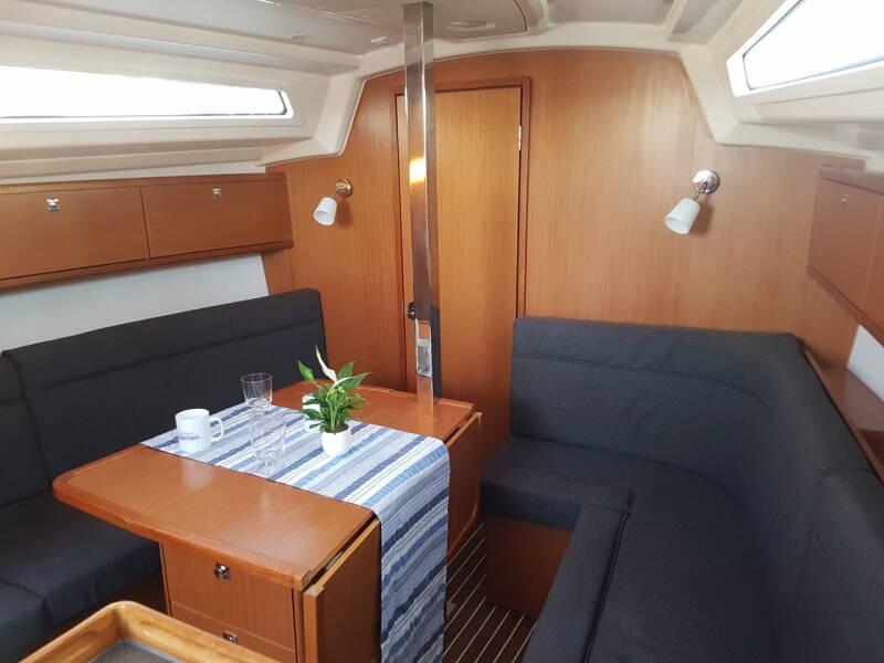 Bavaria Cruiser 34 Theia