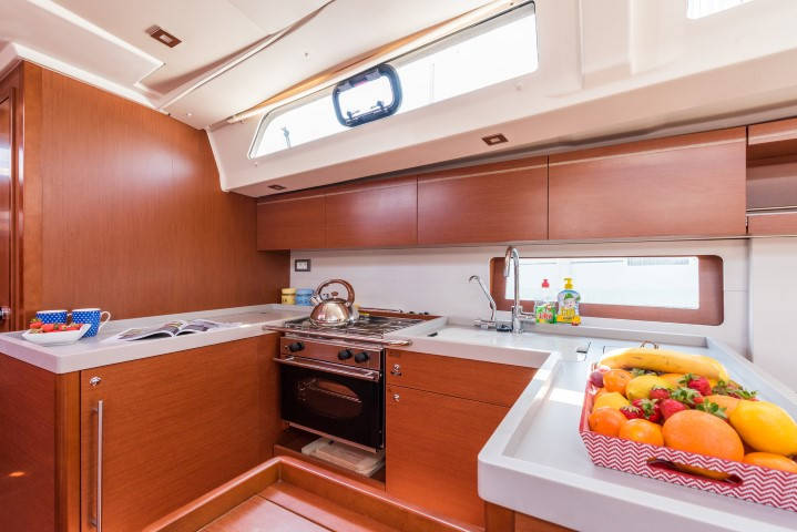 Oceanis 51.1 KAIROS with AC and generator