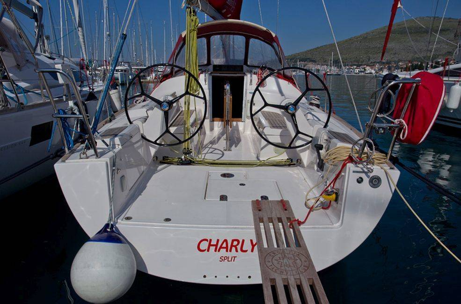 Salona 35 Charly