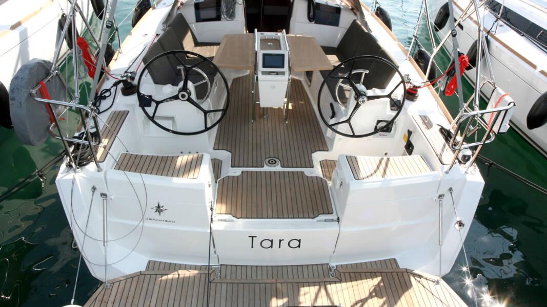 Sun Odyssey 389 Tara