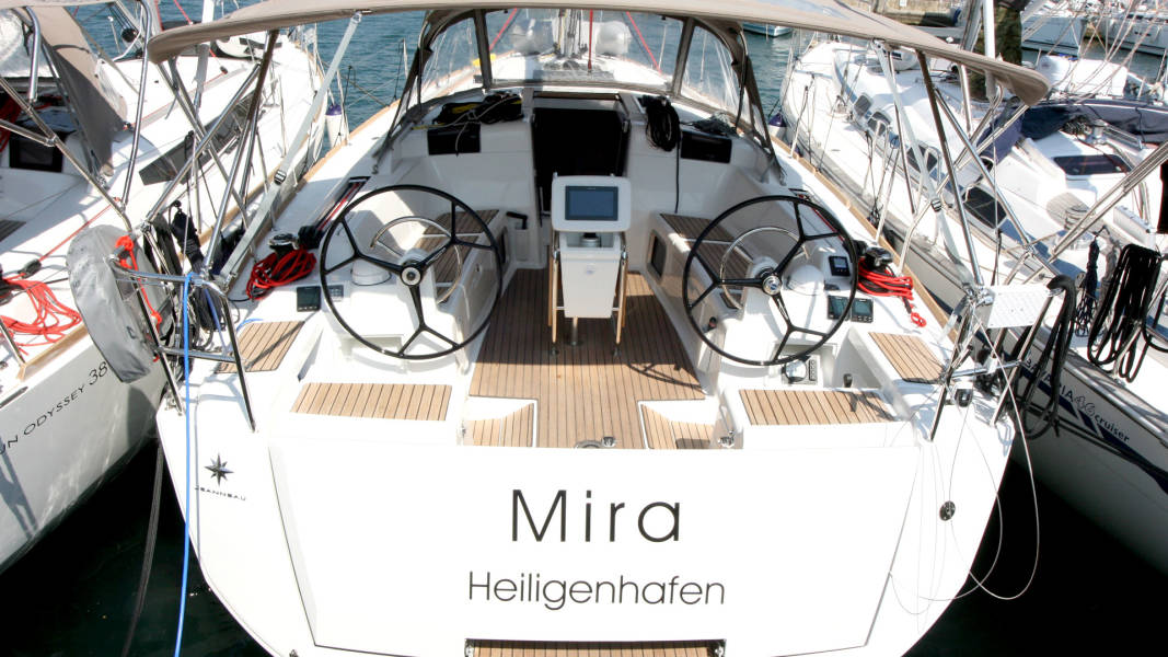 Sun Odyssey 419 Mira